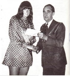 The Mayor of Rye, Councillor Phil Ellis, Presents the Frederica with her prize for winning the 1969 Miss Rye's Own Competition