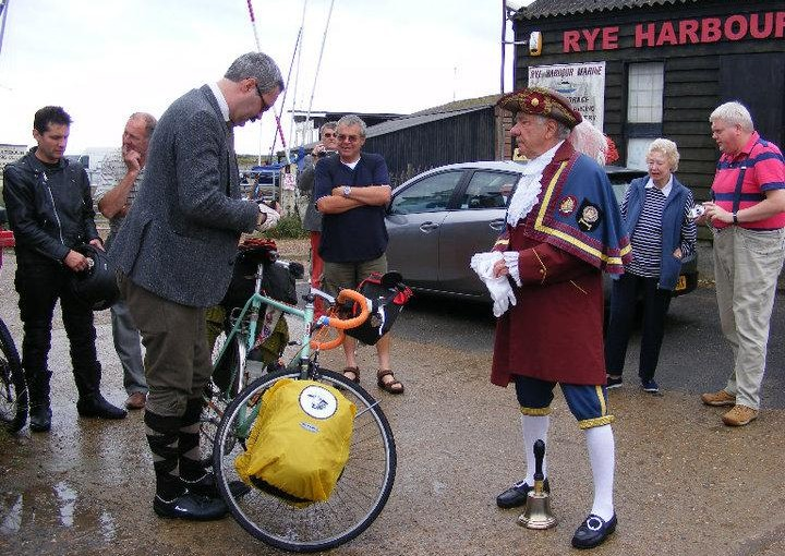 Kelvin Leaves Rye Harbour on 900 mile bike ride