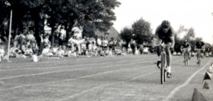 Jim Hollands winning a heat of the 1000 yard East Sussex Championship of 1957. He went on to take second place to the legendary Dave Patton of the Tunbridge Wells Road Club.