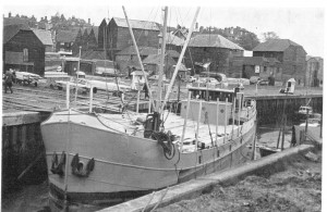 Timber Boat at The Strand c1950