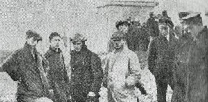 Alf Horner (left) on 'the saddest day of his life'  from a newspaper cutting